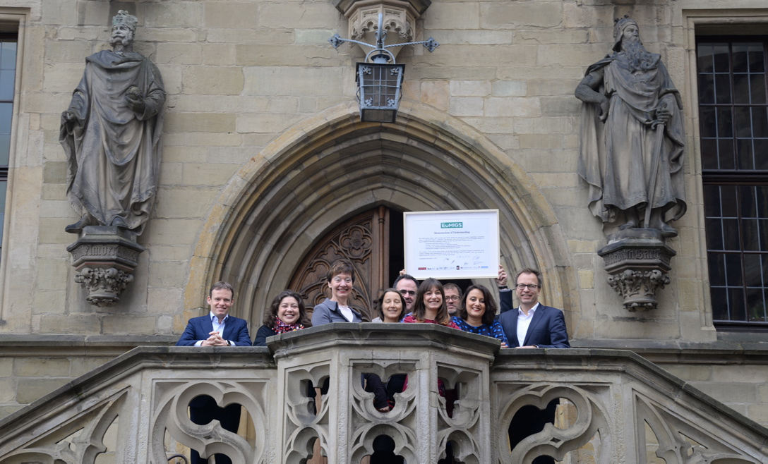 EuMIGS coordinators and supporters, from left to right: Peter Scholten, Director IMISCOE, NL / Antía Pérez-Caramés, A Coruña; E / Martina Blasberg-Kuhnke, UOS / Helen Schwenken, UOS / Gianni D'Amato, Neuchâtel, CH / Alissia Raziano, Liège, B / Jens Schneider, UOS / Seda Turgut-Rass,  Commisioner for Integration, Osnabrück / Andreas Pott, UOS. Photo: Elena Scholz, Osnabrück University